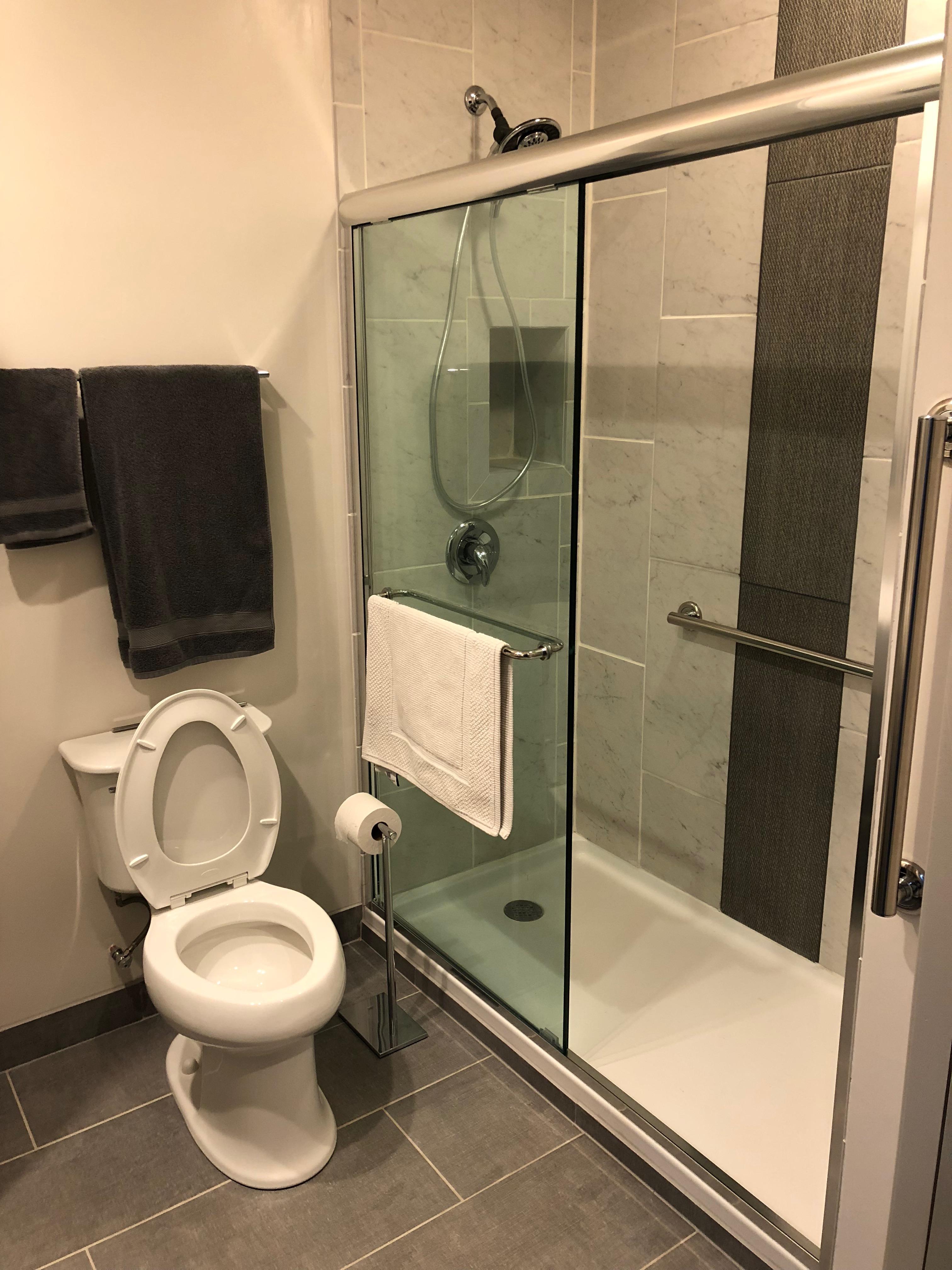 Guest_Suite_Restroom_Shower