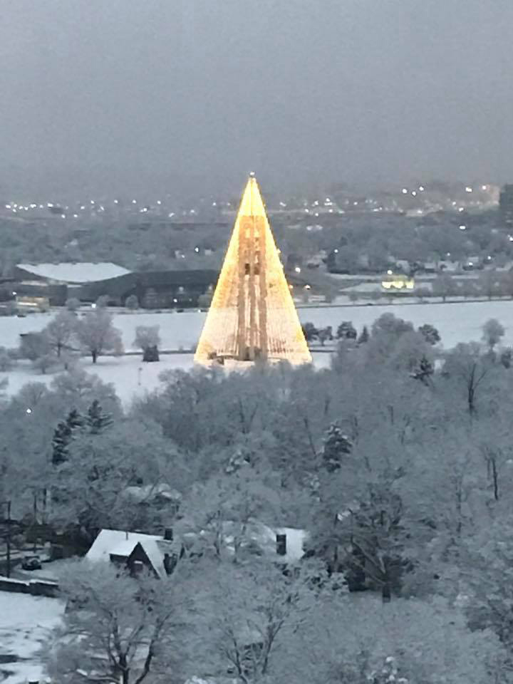 carillon_park_bell_tower_christmas_tree