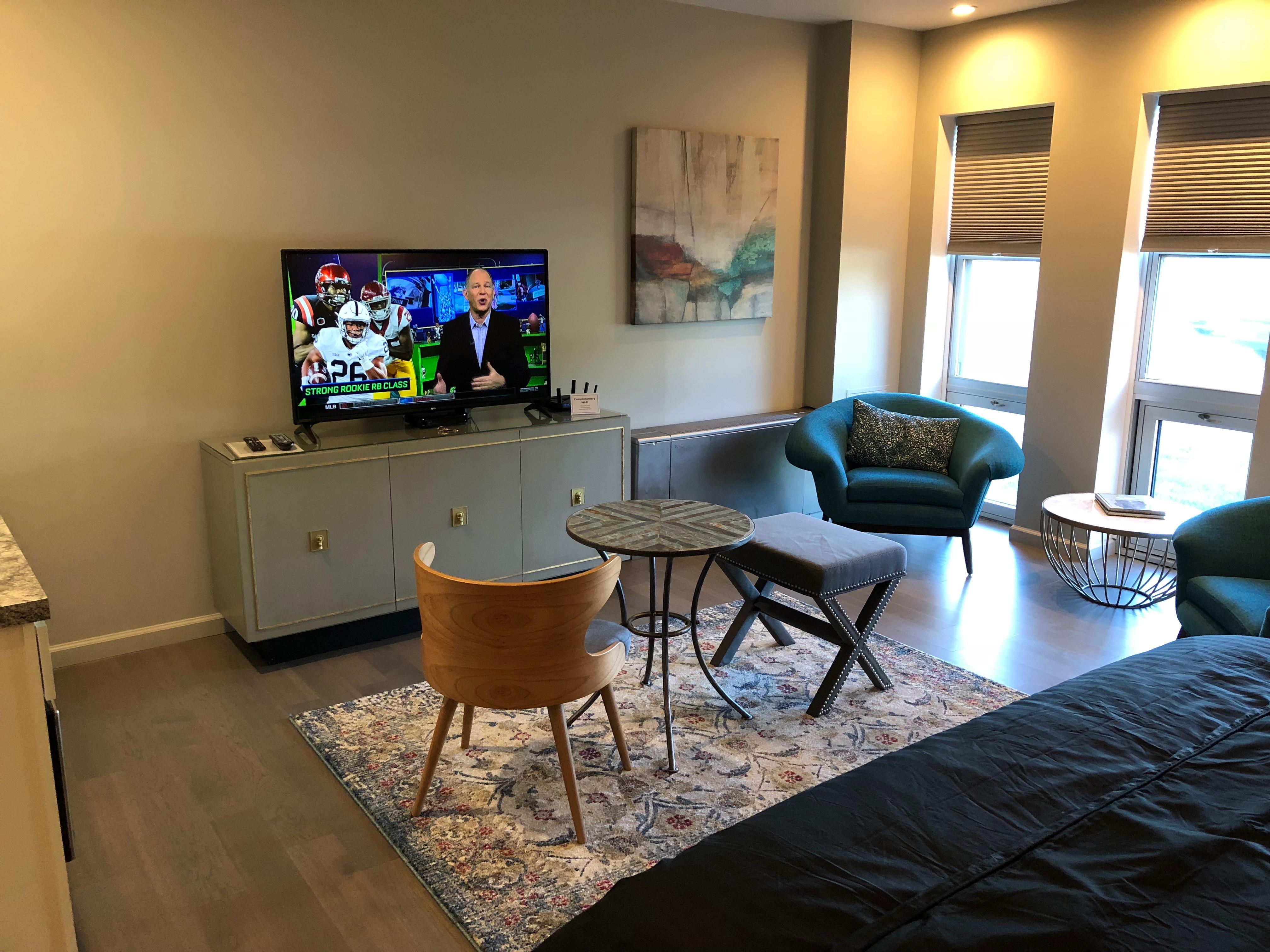 Guest_Suite_TV