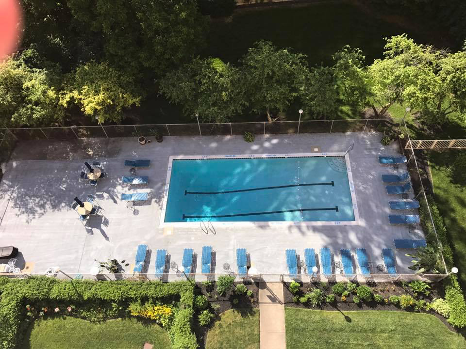 carillon_house_pool_from_above_2017